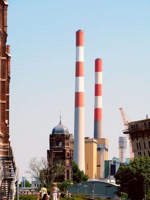 das heutige Kraftwerk Simmering, wo der alte Wasserturm weiterhin steht