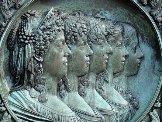 Denkmal  der Maria Carolina und vier ihrer Töchter