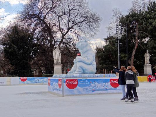 hier ist der Eisbär los
