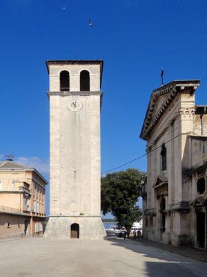 Glockenturm und Marienkathedrale