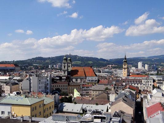 Blick auf Linz vom OÖ.-Turm aus (bis zur vorletzten Etage bin ich gegangen)