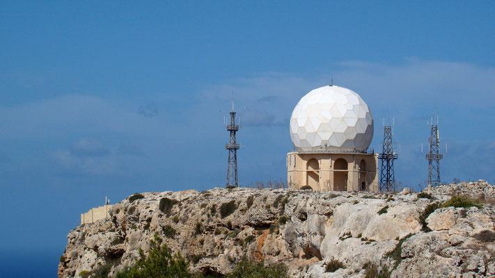 die Radarstation auf den Klippen