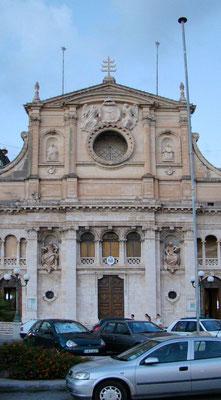 Kirche an der Uferpromenade in Sliema