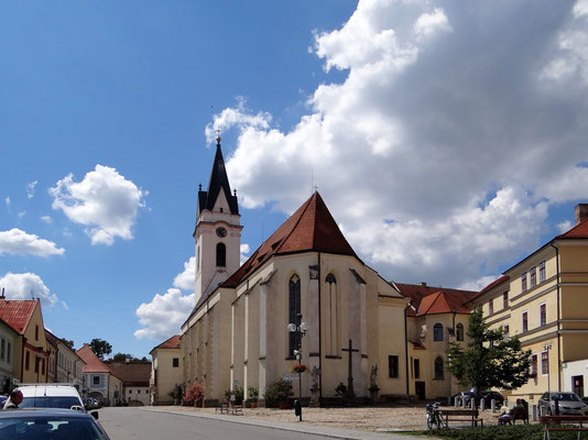 das Kloster und die St.-Ägidius-Kirche