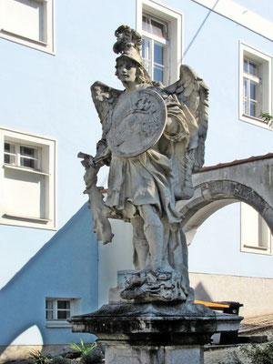 Statue des Hl. Michael