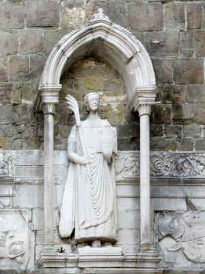 Statue des Heiligen Justus am Glockenturm der Kathedrale
