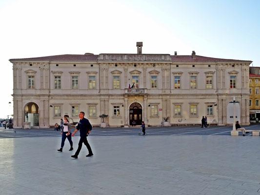 Gerichtsgebäude am Tartini-Platz
