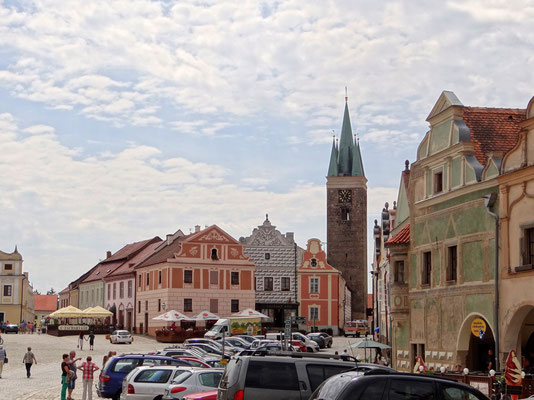 der spätromanische Heilig-Geist-Turm ist das älteste erhaltene Bauwerk in Teltsch