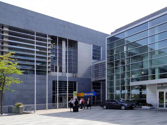 Landtags- und Regierungsgebäude -  erbaut von Architekt DI Ernst Hoffmann