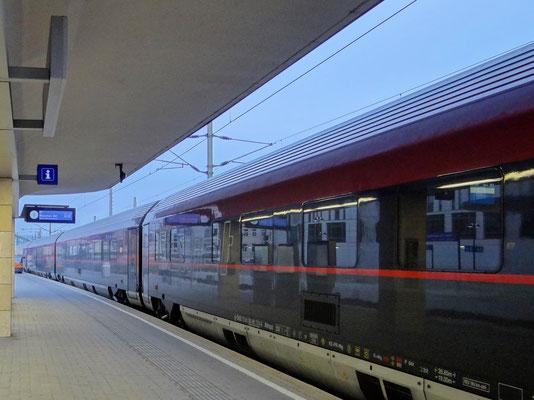 Railjet am Wiener Westbahnhof