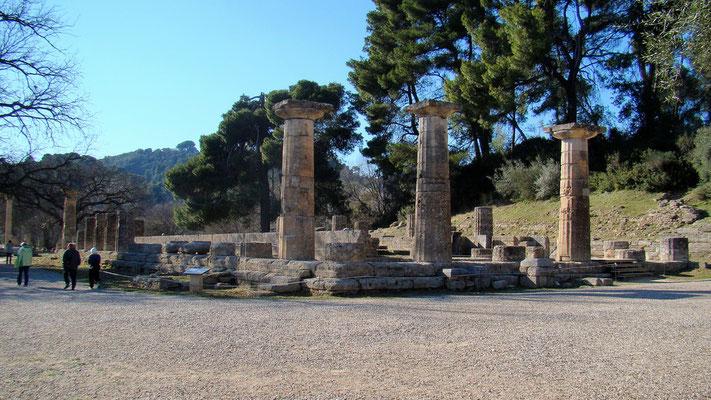 der älteste Tempel des Heiligtums war der Hera geweiht und wurde 600 v. Chr. erbaut