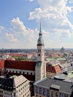 """der """"Alte Peter"""" von der Aussichtsplattform des Rathauses aus gesehen"""