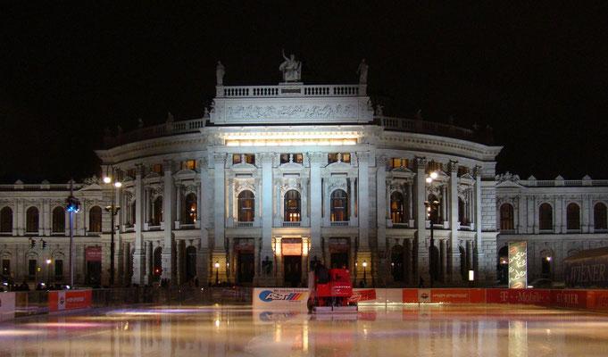 Blick zum Burgtheater