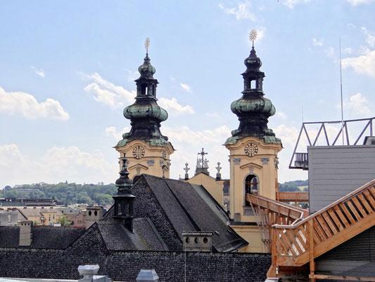 Ursulinenkirche mit dem Steg in den Glockenturm