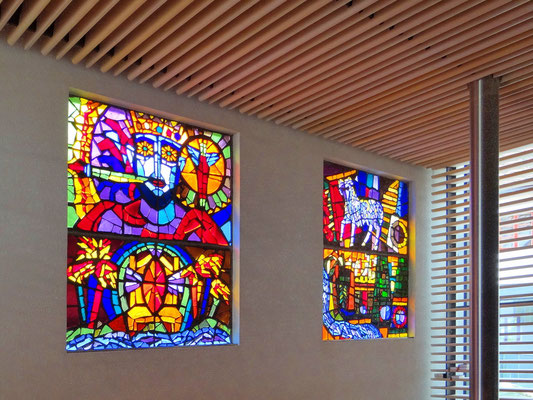 in der modernen Kapelle im Schloss Seggau