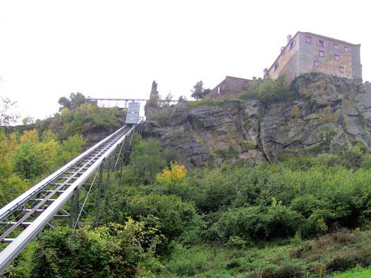 der Aufzug auf die Riegersburg
