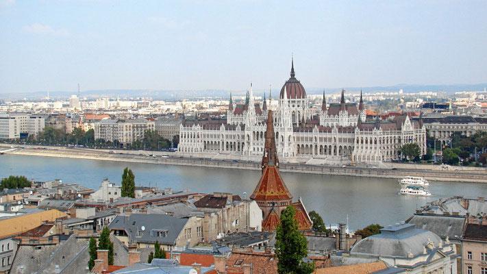 Blick zum Parlament