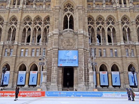 der Eistraum vor dem Rathaus
