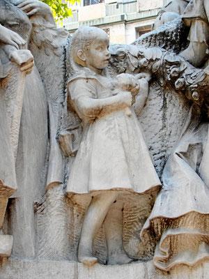Detail Denkmal des Dichters Mihály Vörösmarty am Vörösmarty tér