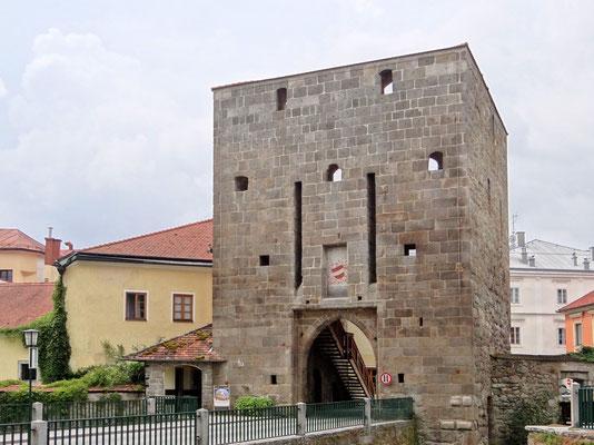 das mittelalterliche, denkmalgeschützte Böhmertor