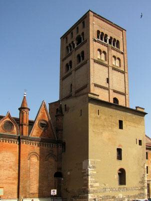Glockenturm des Domes