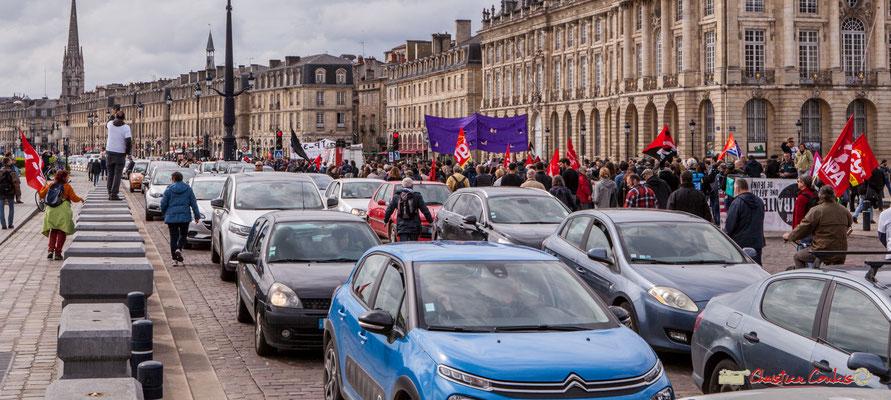 11h36 Premier mai 2018, fête du travail; solidarité internationale des travailleurs. Quai de la Douane, Bordeaux.