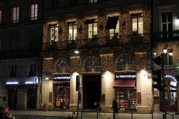 Illuminations de Noël, place de la Comédie et ses environs. Mercredi 16 décembre 2020. Photographie © Christine Teillet