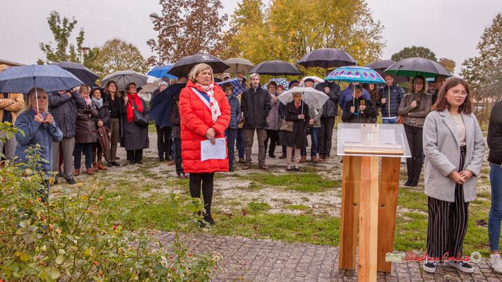 Lecture par les jeunes des Morts pour la France. Commémoration de l'Armistice du 11 novembre 1918 et hommage rendu à tous les morts pour la France, ce lundi 11 novembre 2019 à Cénac (Gironde).