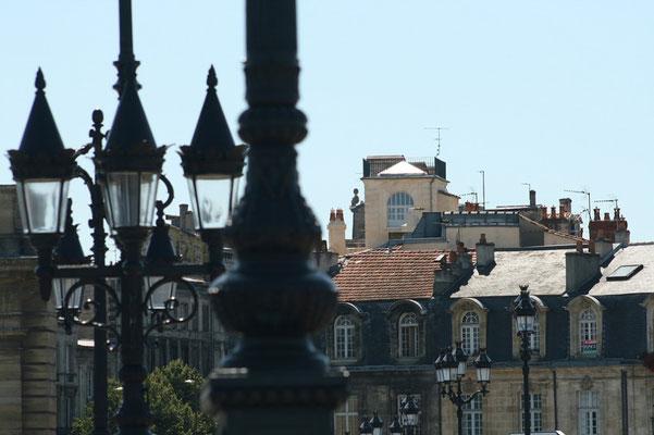 Eclairage pont de pierre, place Bir-Hakeim, cours Victor Hugo, Bordeaux Reproduction interdite - Tous droits réservés © Christian Coulais