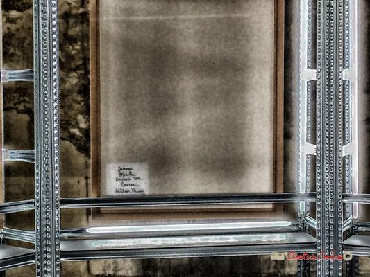 """Ophélie, Novembre 2014, Roanne (verso) """"Détenues"""" exposition photographique de Bettina Rheims. Château de Cadillac, Centre des Monuments Nationaux. Photographe : Christian Coulais. 04/11/2018"""