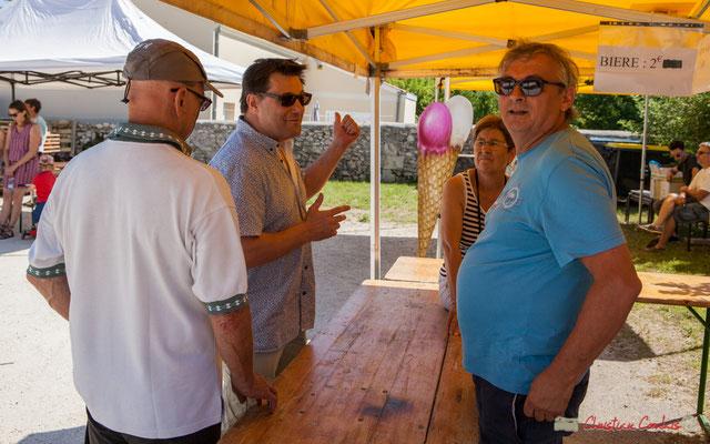 Danile, adhérent; Patrick Pérez, adjoint au Maire de Quinsac; Richard Raducanu, Président de l'Association JAZZ360; Maryse, adhérente. Festival JAZZ360, Quinsac, 11/06/2017