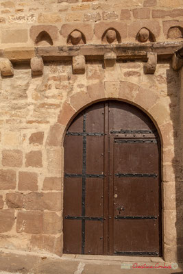 Porte de  l'église de Sainte-Marie de l'Assomption /  Puerta de la iglesia de Santa María de la Asunción. Liédena, Navarra