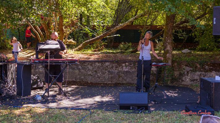 Syan, Clémence de la Taille; Purple Ashes en concert. Festival Ouvre la voix, Citon-Cénac, dimanche 5 septembre 2021. Photographie © Christian Coulais