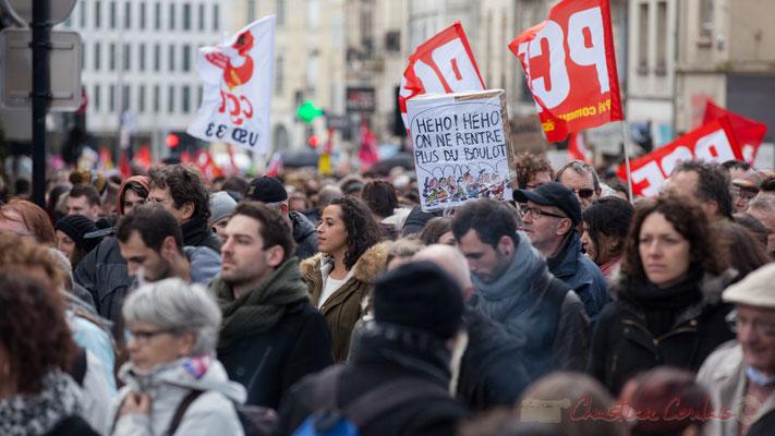 """14h34, """"Heho ! Heho on ne rentre plus du boulot"""" (Visuel des 7 nains). Place Gambetta"""