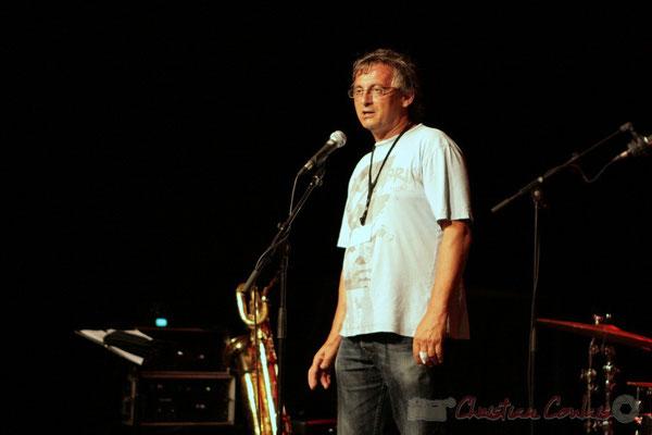 Richard Raducanu, Conseiller municipal de Cénac, présente la Fédération Française de Baryton, Festival JAZZ360, Cénac. 05/06/2011