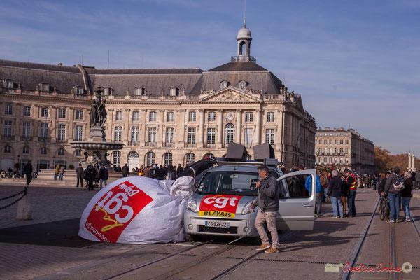 """CGT Blayais """"Rangeons la matos jusqu'à la prochaine"""" Manifestation intersyndicale contre les réformes libérales de Macron. Quai de la douane, Bordeaux, 16/11/2017"""