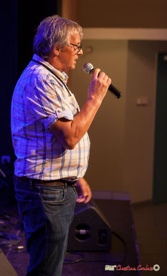 Richard Raducanu présente cette seconde soirée dans la salle, avec deux concerts. Festival JAZZ360 2018, Cénac. 09/06/2018