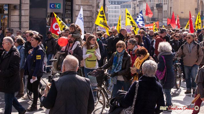 14h48 Sud solidaires. Manifestation intersyndicale de la Fonction publique/cheminots/retraités/étudiants, place Gambetta, Bordeaux. 22/03/2018