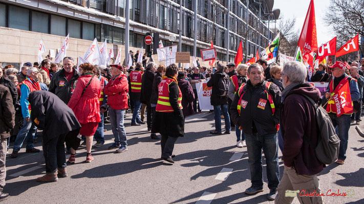 Manifestation intersyndicale de la Fonction publique/cheminots/retraités/étudiants, cours d'Albert, Bordeaux. 22/03/2018