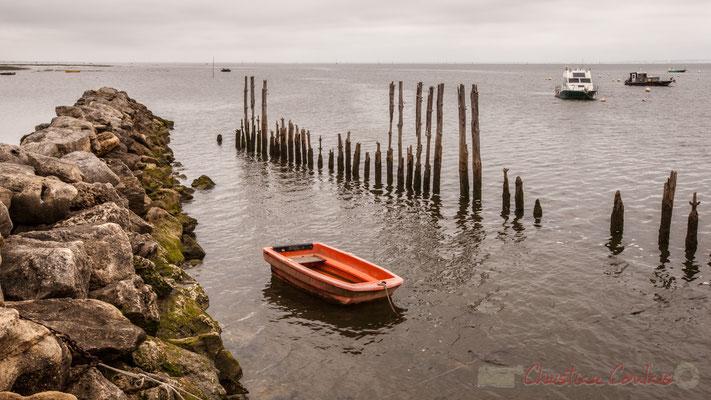 Port ostréicole d'Arès, par le sentier de la Réserve naturelle des Prés salés, Gironde, Aquitaine