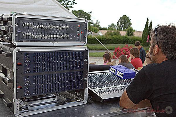 Tony, régisseur son extérieur. Big Band Jazz du Collège Eléonore de Provence, Festival JAZZ360 2012, Cénac, 08/06/2012