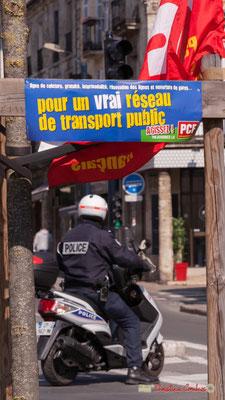 """P.C.F. """"Pour un vrai réseau de service public"""" Manifestation intersyndicale de la Fonction publique/cheminots/retraités/étudiants, cours d'Albert, Bordeaux. 22/03/2018"""