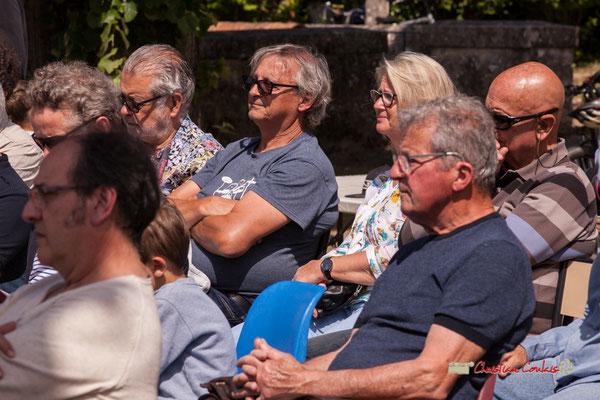 """""""Festival JAZZ360 2019; 10 ans déjà"""" Richard Raducanu, Président de JAZZ360 à l'écoute de Loïc Cavadore Trio, Camblanes-et-Meynac. 08/06/2019"""