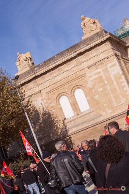Place de la République, mise en place du cortège intersyndical. Manifestation intersyndicale contre les réformes libérales de Macron. Bordeaux, 16/11/2017