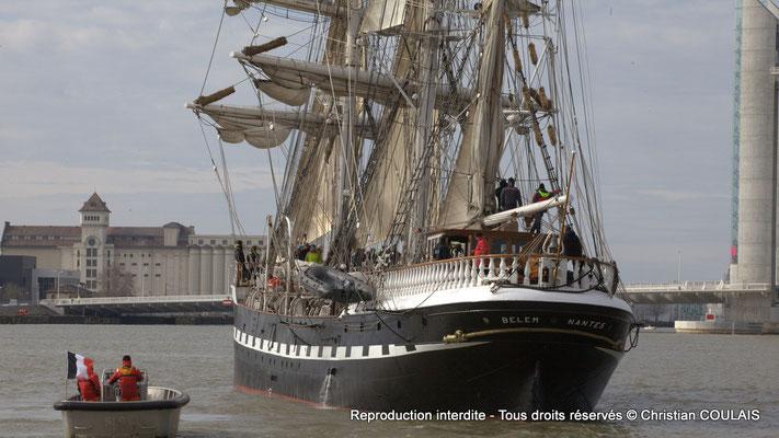 A Le Belem (1896) est le dernier trois-mâts barque français à coque acier, un des plus anciens trois-mâts en Europe en état de navigation et le second plus grand voilier restant en France. Bordeaux, samedi 16 mars 2013