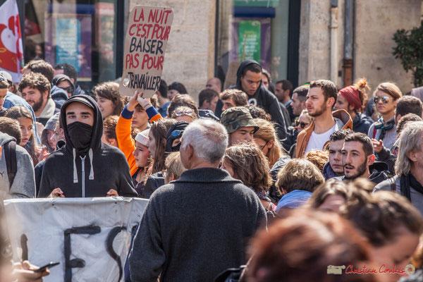 """""""La nuit c'est fait pour baiser pas pour travailler"""" Manifestation contre la réforme du code du travail. Place Gambetta, Bordeaux, 12/09/2017"""