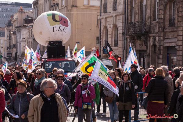 14h59 Arrivée de F.S.U. Manifestation intersyndicale de la Fonction publique/cheminots/retraités/étudiants, place Gambetta, Bordeaux. 22/03/2018