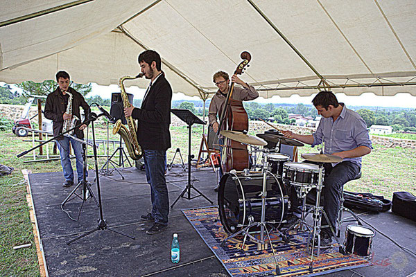 Laurent Robino, Florian Marques, Guillaume Vallot, Hugo Raducanu; Naxee Quintet, Festival JAZZ360 2012, château Lestange, Quinsac. 10/06/2012