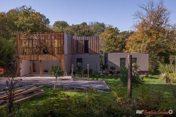 Habitat contemporain, à gauche vers Latresne. Allée Lamothe, Cénac, Gironde. 16/10/1017