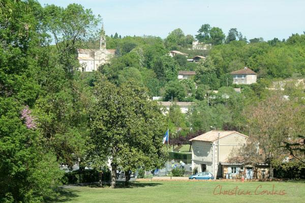 Vue du Parc du Château de Latresne vers Latresne